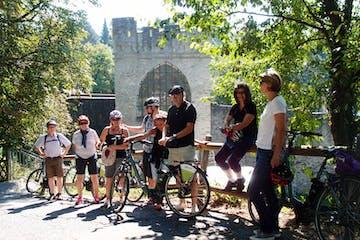 Fahrradfahrer machen eine Pause
