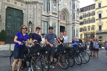 People with bike at Duomo's Florence