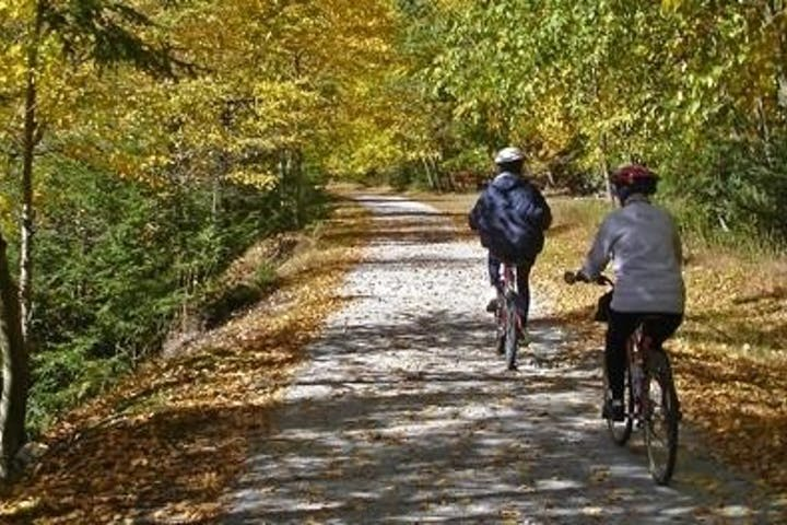 Two bikers on the scenic trail