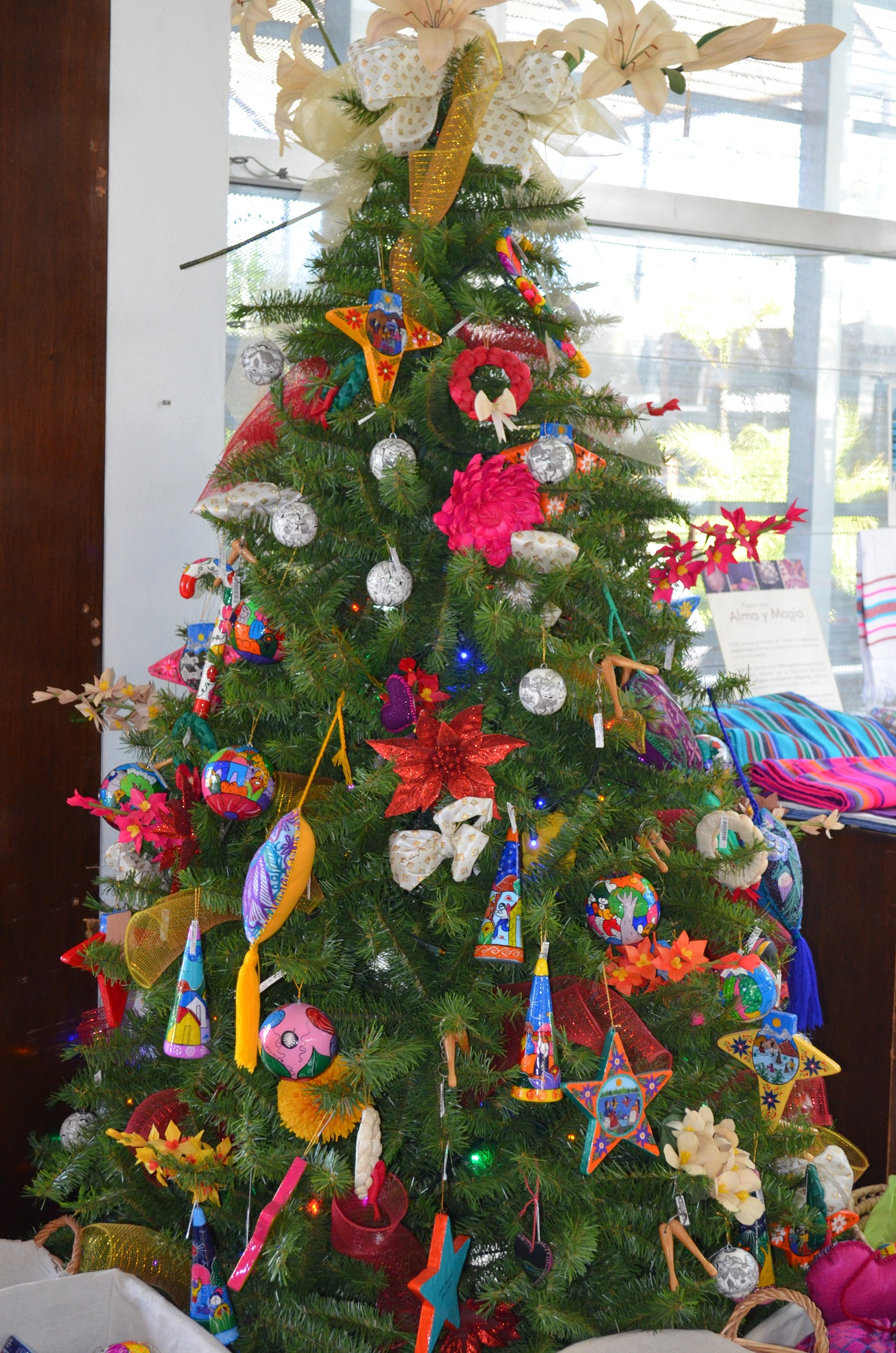 Mexican Christmas Decorations.Mexican Christmas December Holidays Discover Mexico Park