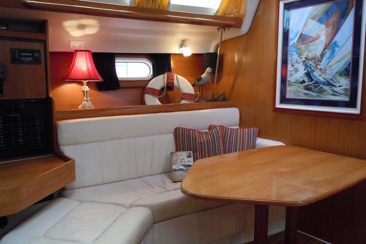 Knot@work - 35' Catalina Sailboat | Superior Charters