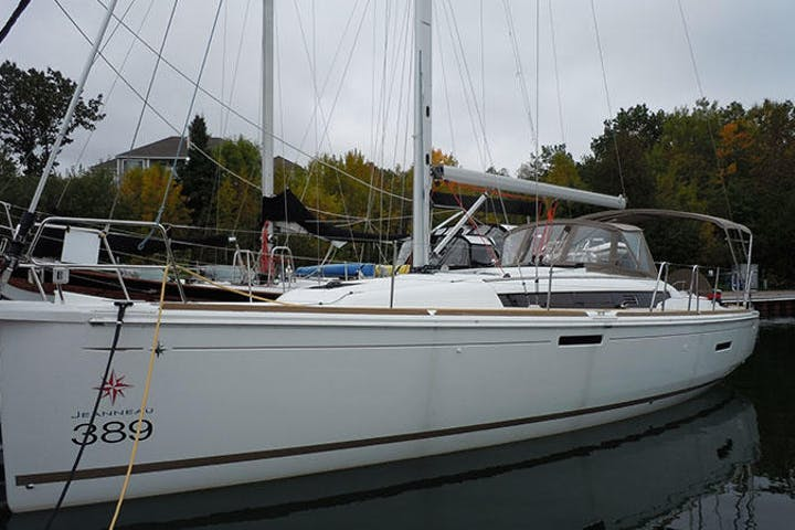 Side view of Rivulet sailboat