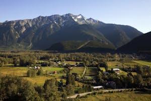 pemberton village and mountain