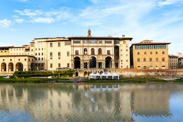 Uffizi by water