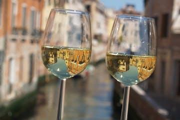venice-white-wine-prosecco-wine-tasting