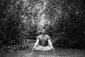 Meditación en Padmasana en la Selva de Irati