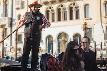 Grand Canal by Gondola with music, singers & dinner