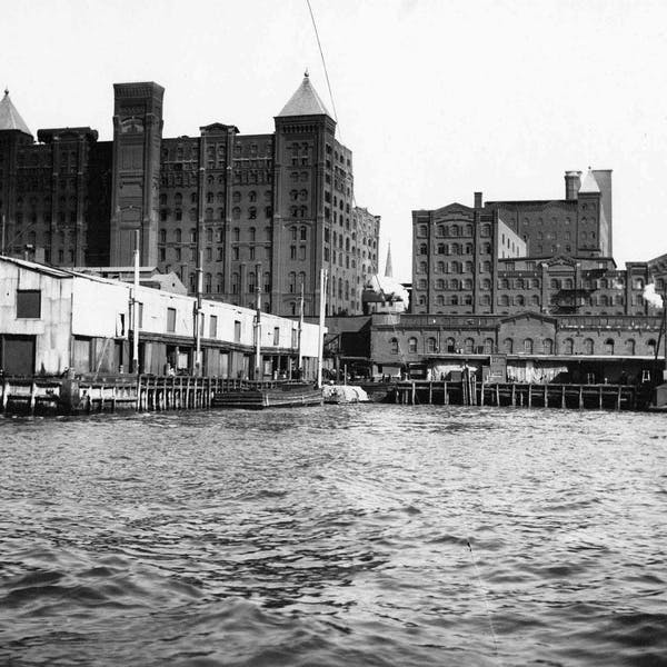 History of Williamsburg Brooklyn | Like A Local Tours