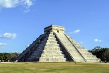 pyramids of Chichen Itza