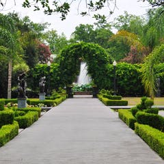 Neptune Courtyard at Houmas House