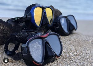 3 snorkeling masks