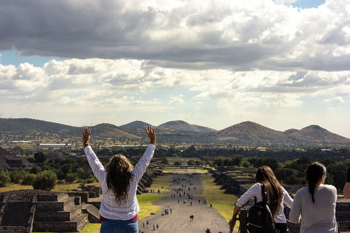 Teotihuacan Day Trip & Dinner with the Locals