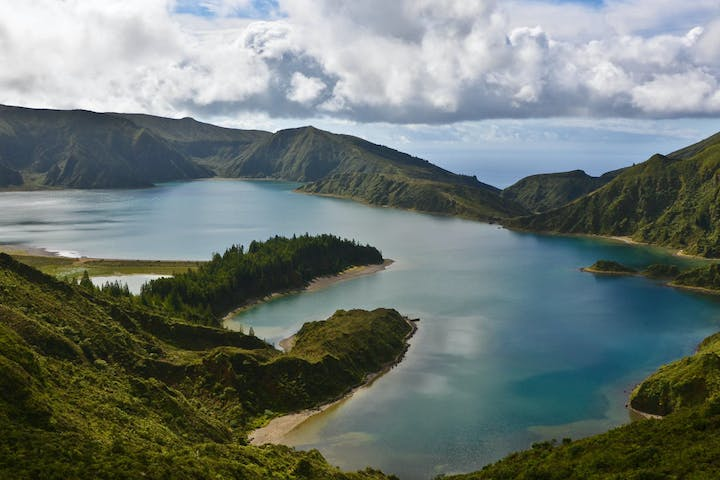 Lagoa do Fogo with clouds