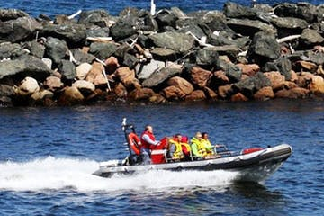 Cave Point County Park Zodiac Boat Tour