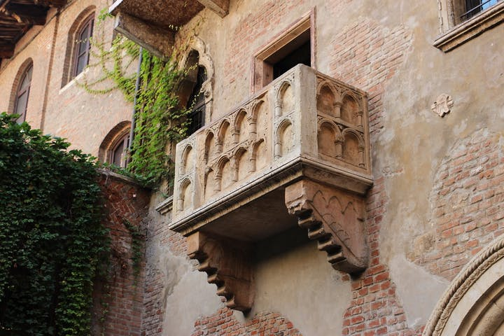 Promise On Juliet S Balcony Romeo And Juliet Guide