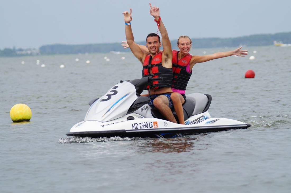 What Should I Wear Jet Skiing?