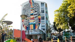 Lisbon street art tour - Surround yourself with color in Marvila