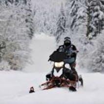 Snowmobile tours in Alaska