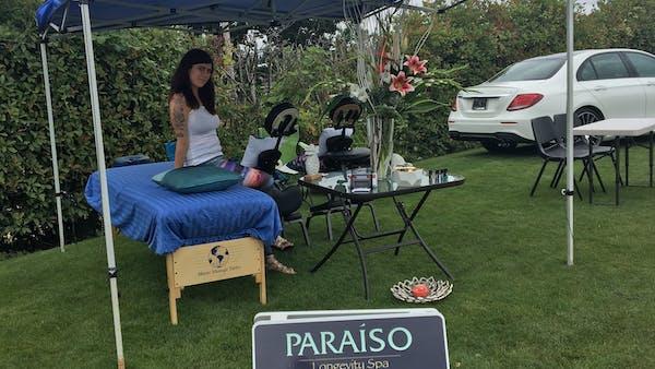 massage stand