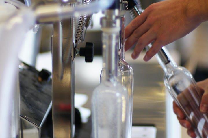 distillery bottling drinks