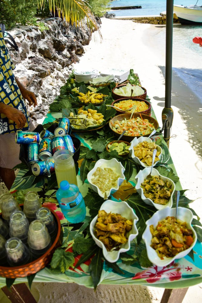 Bon apetit, or in Tahitian: tama'a maitai!
