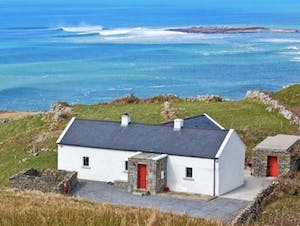An Irish cottage beside the sea