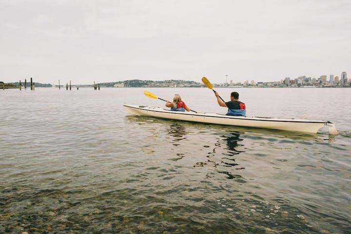 Tandem kayak on Elliot bay