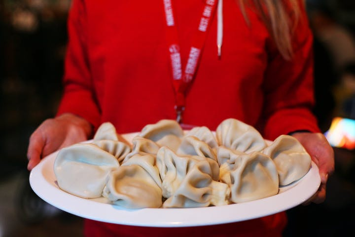Tbilisi_dumplings_food_serve