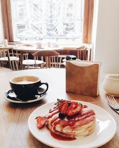 Tbilisi_breakfast_pancakes