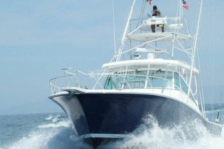 Nuthin Fancy - 38' Luhrs riding through water