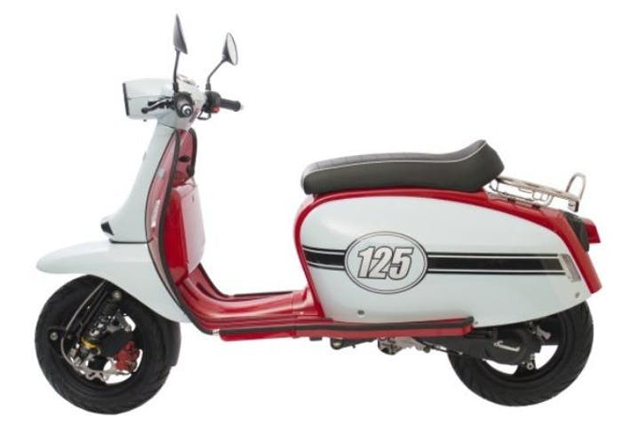 Vintage Scooter 125 White
