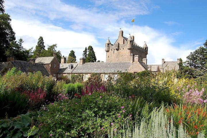 3-Castles-Cawdor-Castle-Gardens