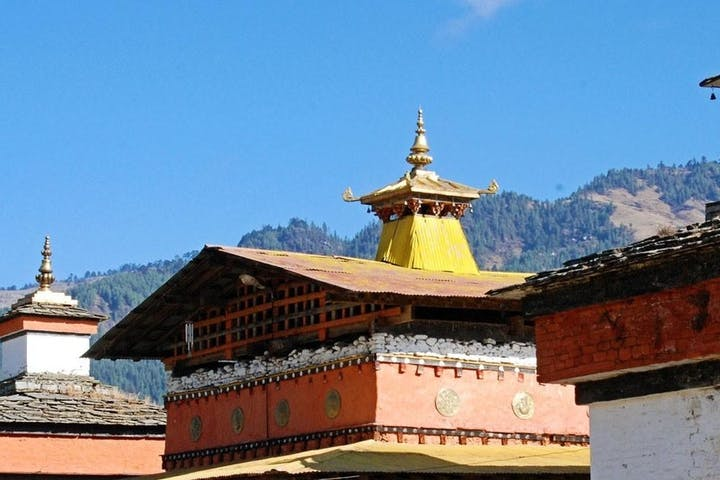 Chomolhari temple