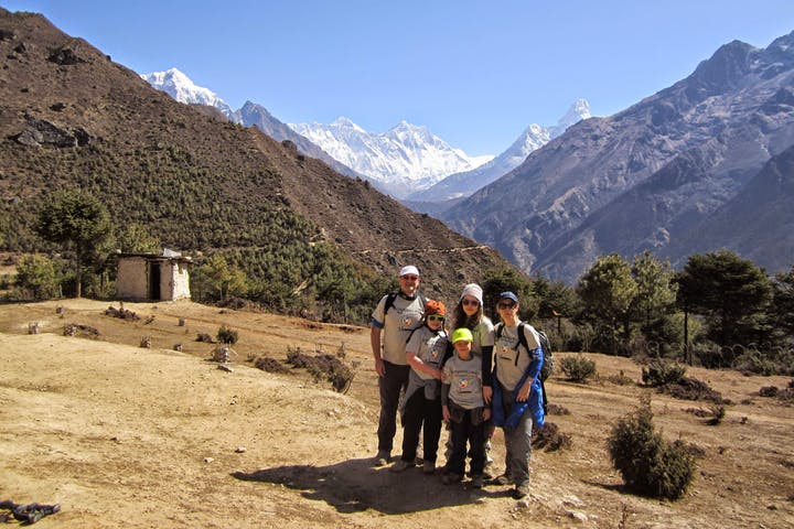Family on the way to Everest