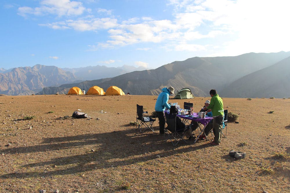 The Differences between Lodge or Teahouse trekking and camping treks
