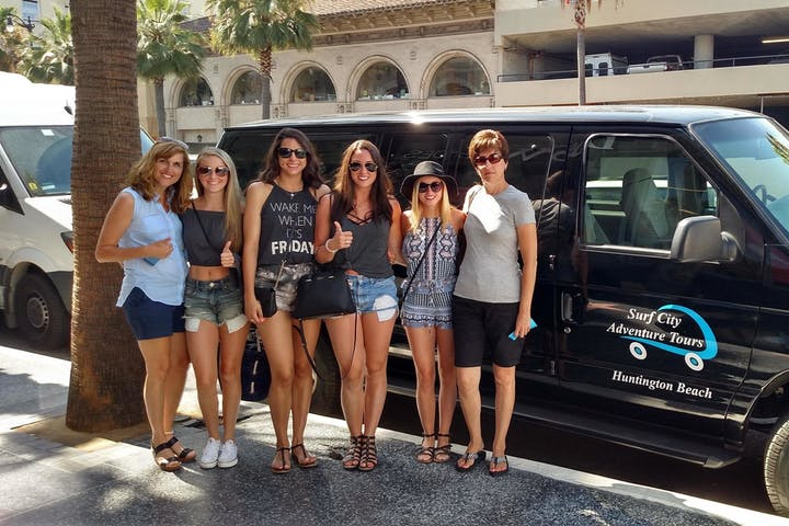 Ultimate Hollywood Experience Tour group van