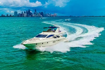 Yacht for rent in Miami on charter in Biscayne Bay.
