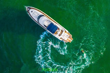 Overhead view of this Miami Beach yacht for rent.