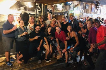 group of people enjoying a pub crawl in nashville, tn