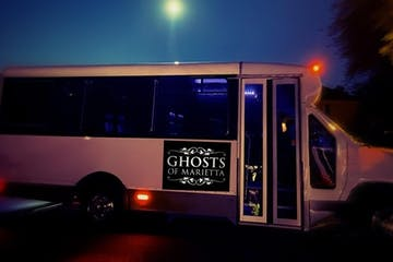 a bus that is sitting in a dark room