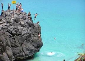 Oahu rock jumping