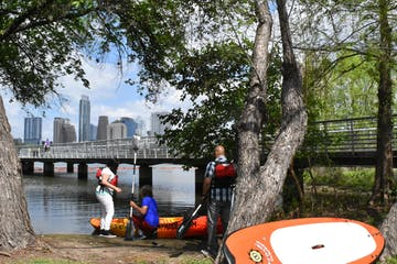 people getting ready to kayak in austin texas