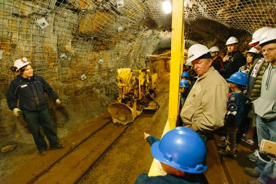 People on a mining tour in a mine