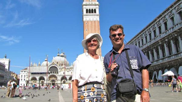2 people smiling in venice
