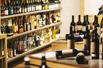 We have selected the best Spanish wines for you to taste them over our Wine Lover Tour