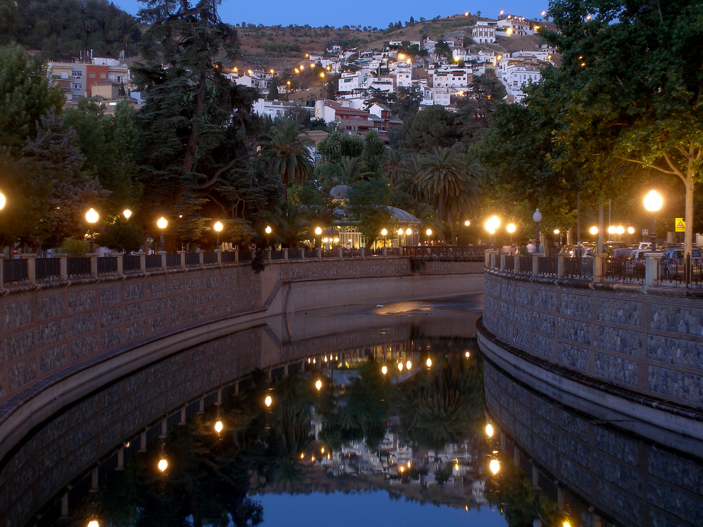 Walking the Carrera del Darro is one of the best things to do in Granada!