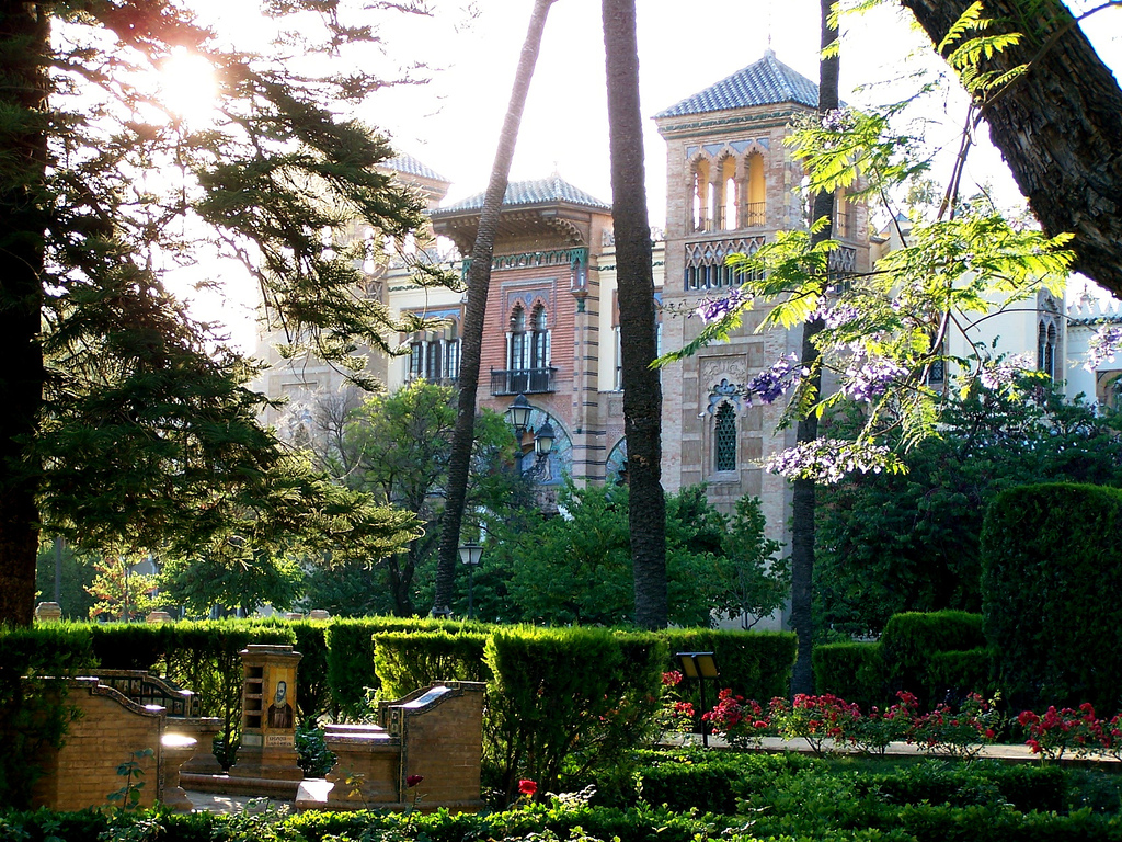 One of the essential things to do in Seville in the fall is take a walk through Parque María Luisa!