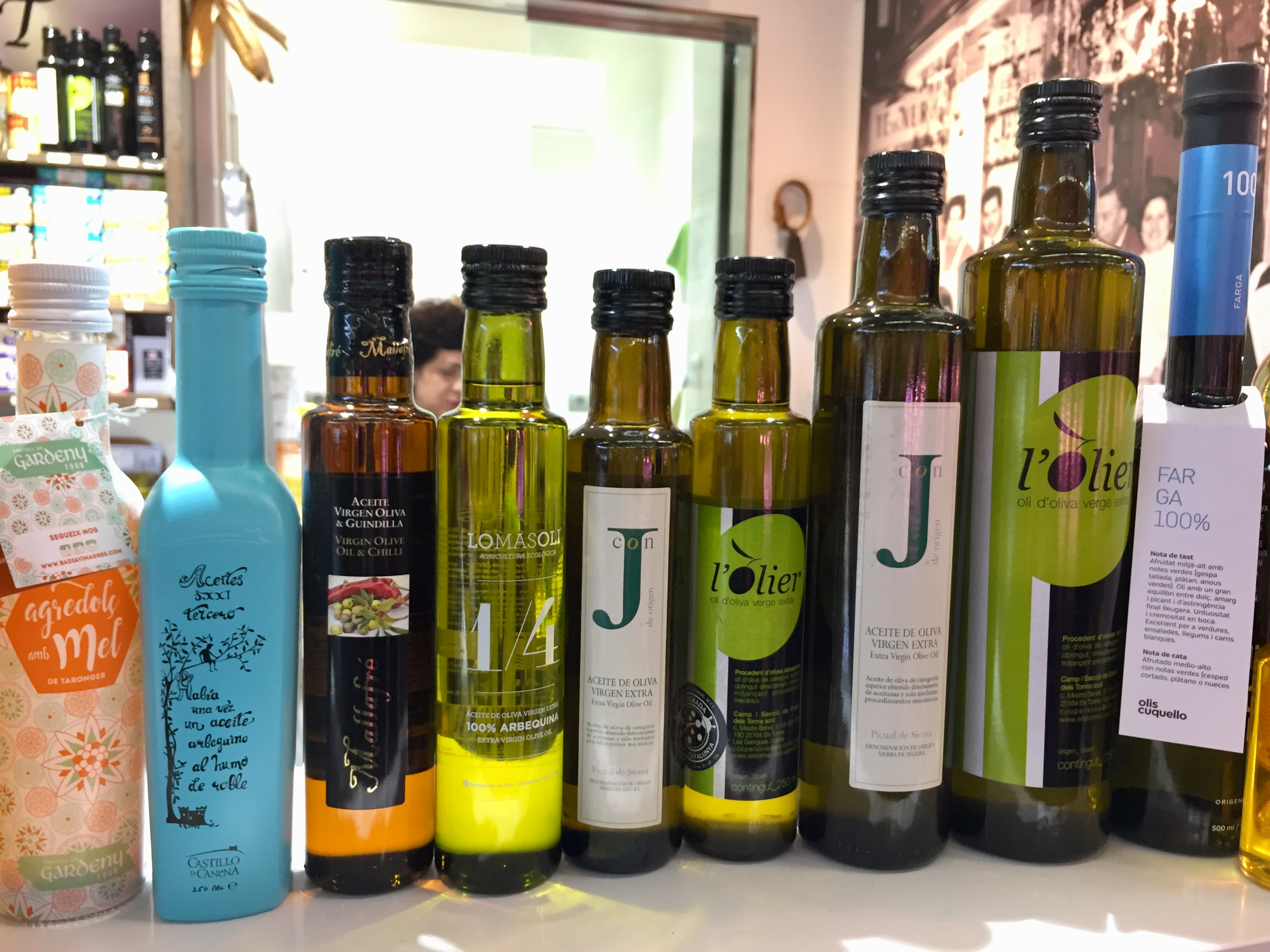 There are so many options when it comes to buying Spanish olive oil!