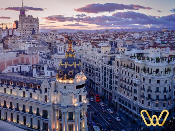Gran vía de Madrid, vista desde el Círculo de Bellas Artes