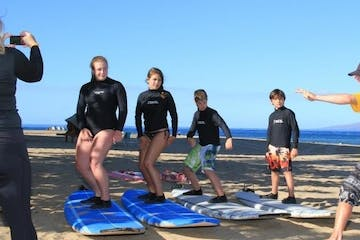group lesson surf